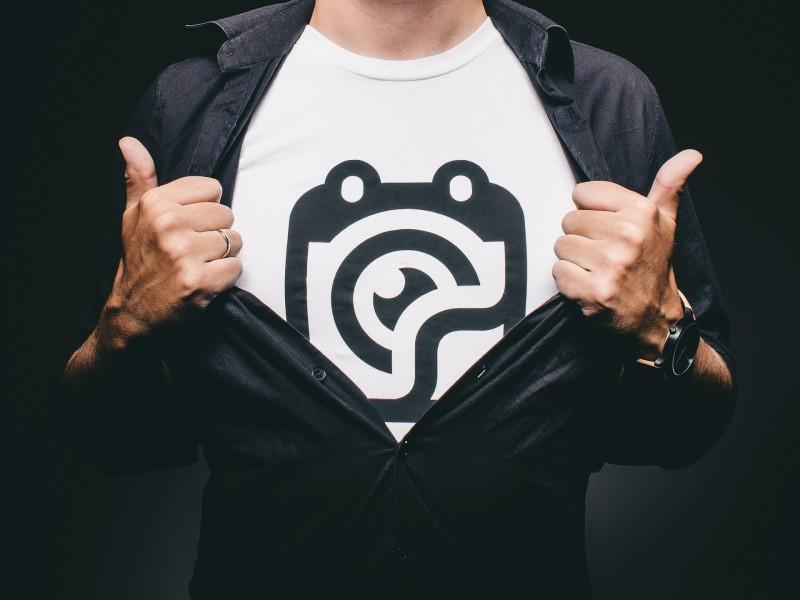 Design unikke T-shirts til privat brug, firmaet eller sportsklubben